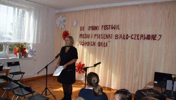 """III Gminny Festiwal Pieśni i Piosenki Biało-Czerwonej """"Uśmiech Orła"""""""